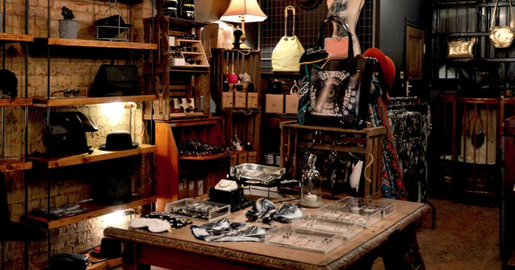 Buying Antiques Online